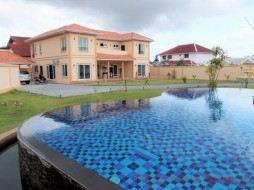 5 Bed House For Rent In Huey Yai - Not In A Village
