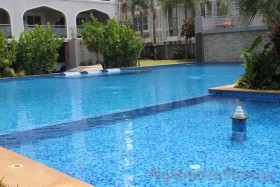 1 Bed Condo For Rent In Pratumnak - Tudor Court