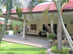 7 Bed House For Sale In Na Jomtien - Not In A Village