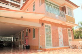 3 Beds House For Sale In Jomtien - TW Palm Resort