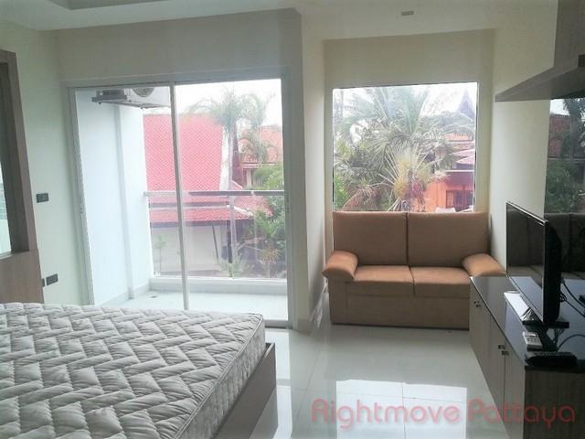 studio condo in na jomtien for sale nam talay  for sale in Na Jomtien Pattaya