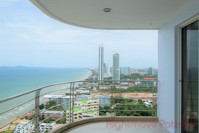 la royale beach condo for sale in Na Jomtien Pattaya