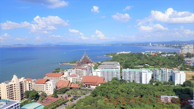 wongamart garden beach  Condominiums to rent in Naklua Pattaya
