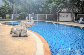 2 Beds Condo For Sale In Pattaya - Ruamchok 2