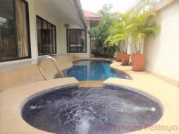 3 Beds House For Rent In Jomtien - Adare Gardens 2