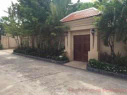 5 Bed House For Sale In Jomtien - Jomtien Park Villas