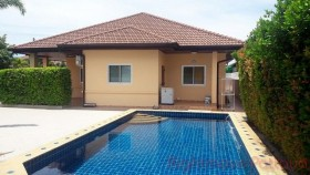 3 Bed House For Rent East Pattaya - Tropical Village