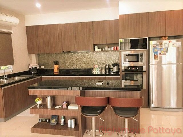panalee baanna village house for sale in Huay Yai