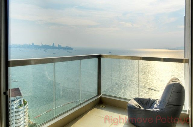 the palm Condominiums for sale in Wong Amat Pattaya