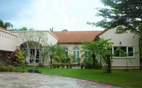 5 Bed House For Sale Phoenix - Not In A Village