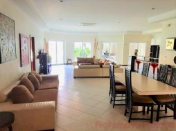 4 Bed House For Rent Jomtien - View Talay Villas