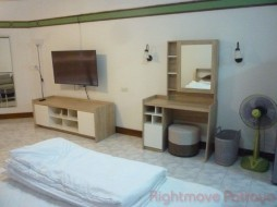Studio Condo For Rent North Pattaya - Markland