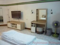 Studio Condo For Rent North Pattaya - Markland