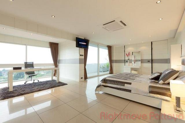 pic-6-Rightmove Pattaya sombat condotel   for sale in Pratumnak Pattaya