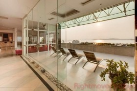 5 Beds Condo For Sale And Rent In Pratumnak - Sombat