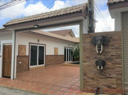 2 Beds House For Rent In East Pattaya - Baan Suey Mai Nang