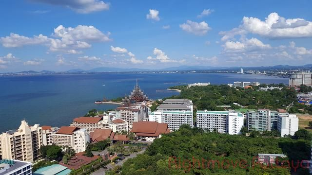 wongamat garden beach resort  Condominiums to rent in Naklua Pattaya
