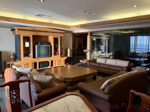 pic-10-Rightmove Pattaya Royal Cliff Condo  販売 で Pratumnak パタヤ