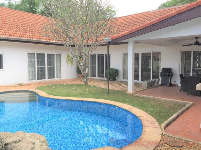 freeway villas house for rent in East Pattaya