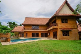 4 Bed House For Rent In East Pattaya - Lanna Villas