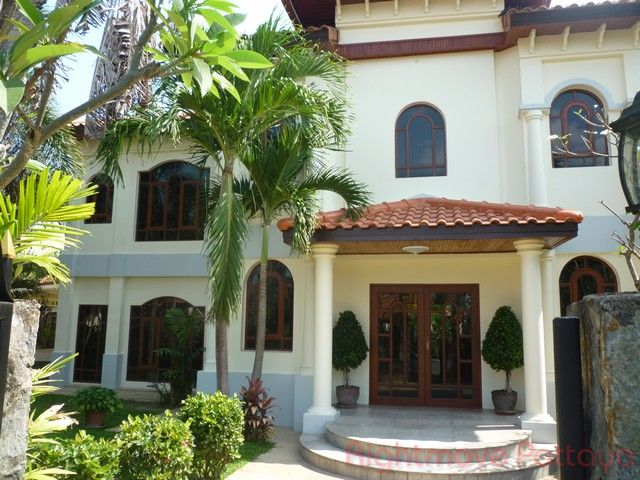 Whispering Palms house For sale and for rent in East Pattaya