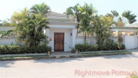 3 Beds House For Sale And Rent In East Pattaya - Siam Royal View