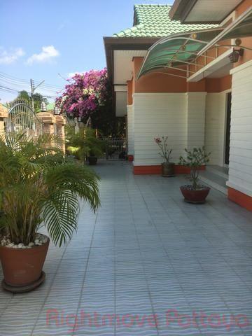 ponthep garden ville 5 casa in vendita in East Pattaya