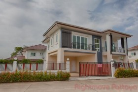 4 Beds House For Sale In East Pattaya - Lakeside Court 5