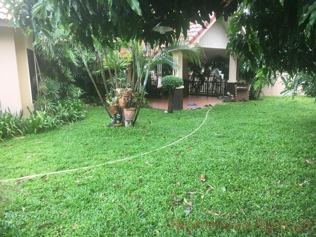 pattaya hill 2 casa para la venta en al este de Pattaya