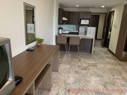 Studio Condo For Sale In Central Pattaya - Pinewood Residence