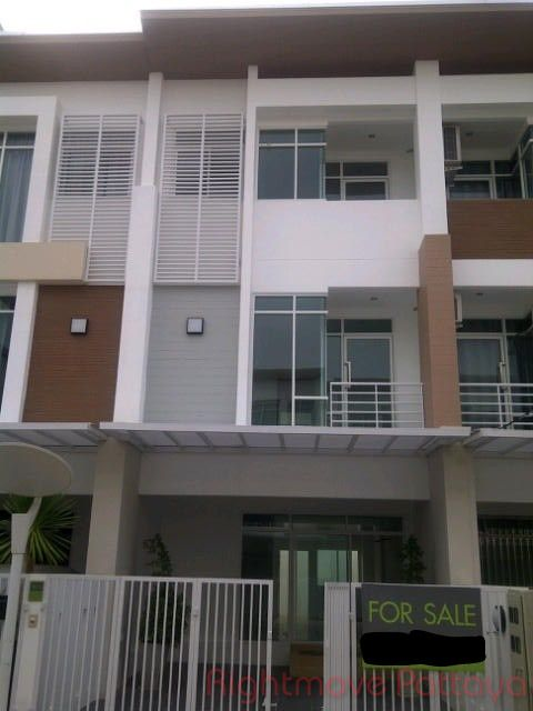 sp town home house for sale in Jomtien
