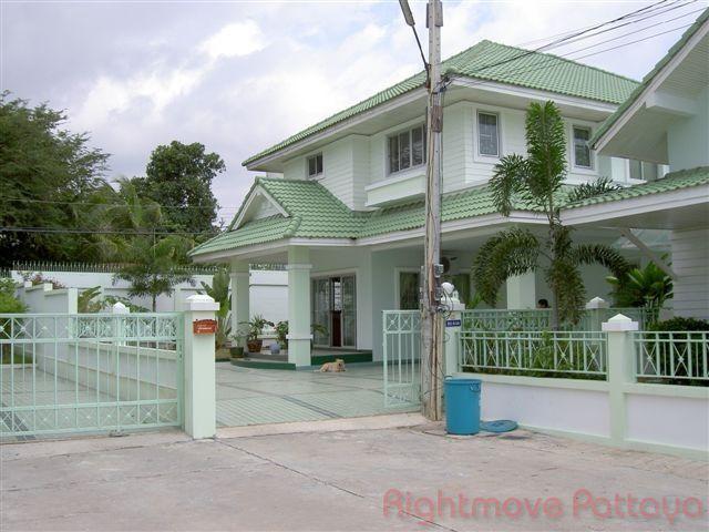 Baan Chalita maison pour la vente dans les Naklua