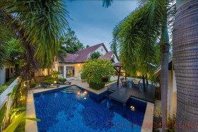4 Beds House For Sale In Pattaya
