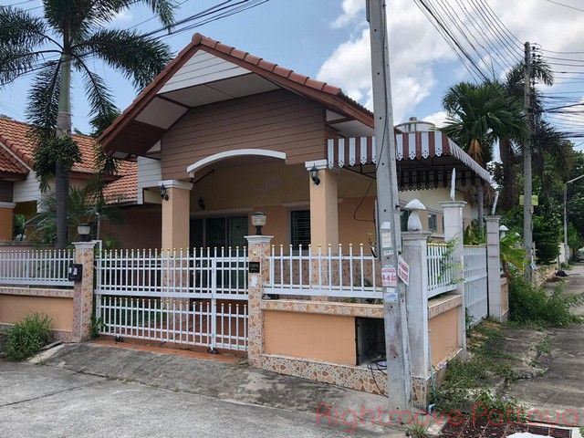 classic home 2 house for sale in Ost-Pattaya