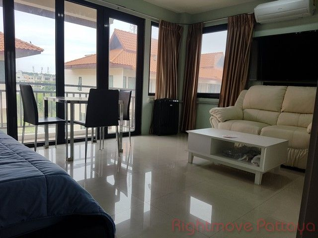 mid town villas house for sale in Central Pattaya