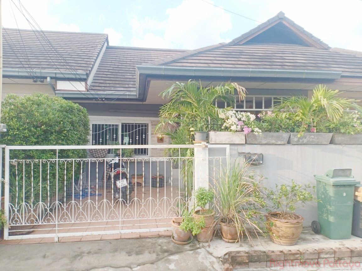 raviporn golden hill house for sale in Ost-Pattaya