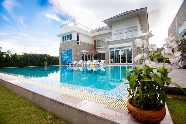Baan Talay house For sale and for rent in Pattaya