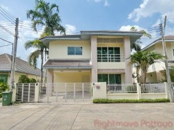 3 Beds House For Rent In East Pattaya - The Meadows