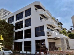 5 Beds House For Sale In Jomtien - Grand Condotel