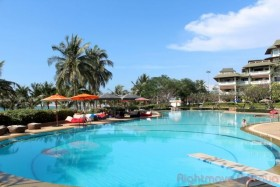 3 Beds Condo For Sale In Na Jomtien - Baan Somprasong