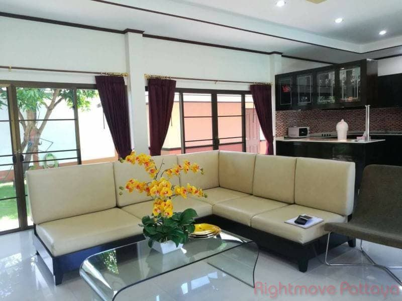 dhewee park villa house for sale in Bang Saray