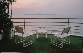 3 Beds Condo For Sale In Pratumnak
