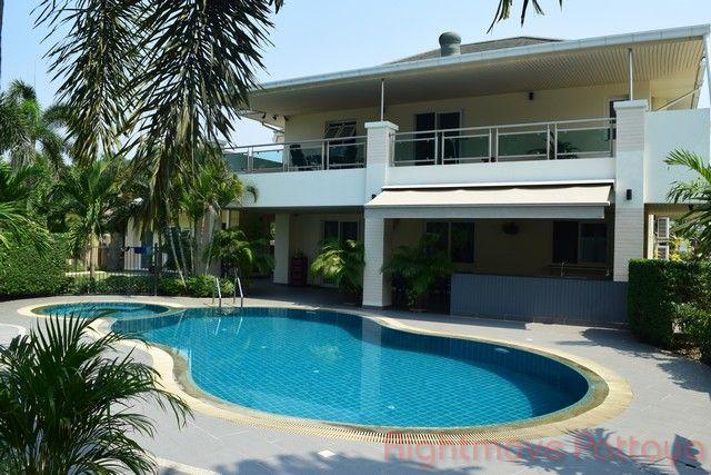 greenfield villas 4 บ้าน สำหรับขาย ใน พัทยาตะวันออก