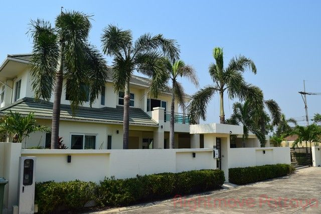 greenfield villas 4 house for sale in East Pattaya
