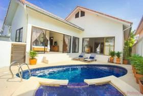 3 Beds House For Rent In Jomtien - Adare Gardens 3