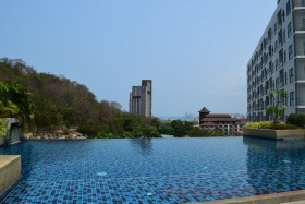 3 Beds Condo For Rent In Pratumnak - The Axis