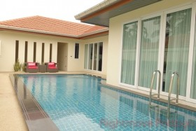 4 Bed House For Sale In East Pattaya - Whispering Palms
