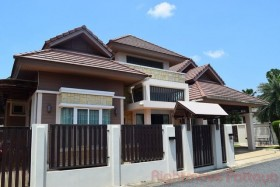 3 Beds House For Sale In East Pattaya - Sirisa 16