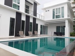 5 Beds House For Sale In Jomtien - Palm Oasis