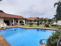 5 Beds House For Sale In East Pattaya - Not In A Village